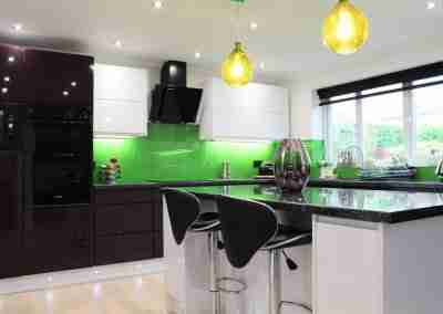 Colourful J Pull kitchen in Mansfield