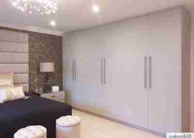 Clean & simple wardrobes in taupe grey